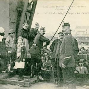 Port de La Pallice à La Rochelle, arrivée de réfugiés belges, en octobre 1914. (Archives municipales de La Rochelle 5 Fi 3602. )