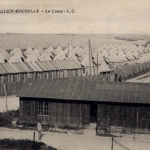Le camps de prisonniers allemands à La Pallice. (Archives municipales de La Rochelle 5 Fi 3595.)