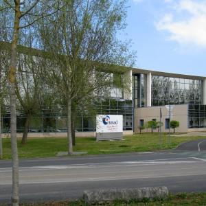 SMACL, 141 avenue Salvador-Allende, à Niort. Cette mutuelle, destinée aux collectivités locales, est fondée en 1972.